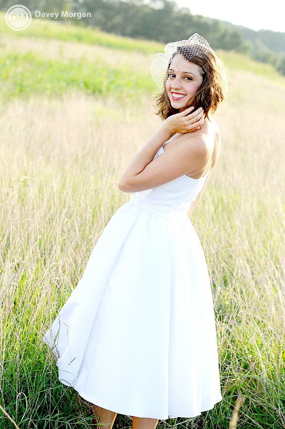 Bridal pictures in a field | Davey Morgan Photography
