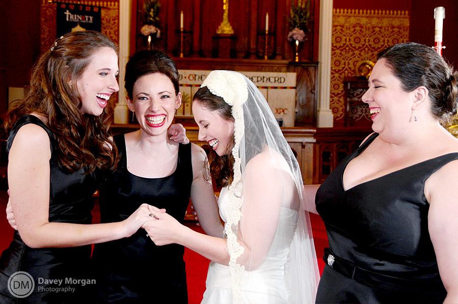 Bridesmaids laughing at Wedding | Davey Morgan Photography