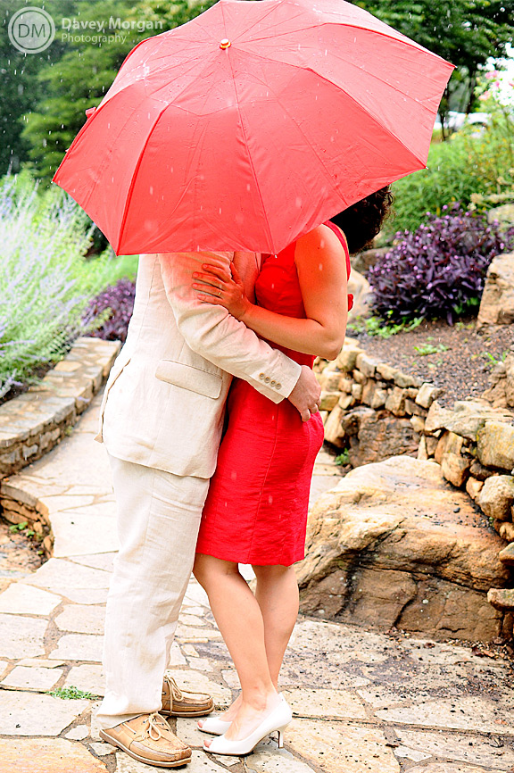 couple kissing under umbrella picture | Davey Morgan Photography