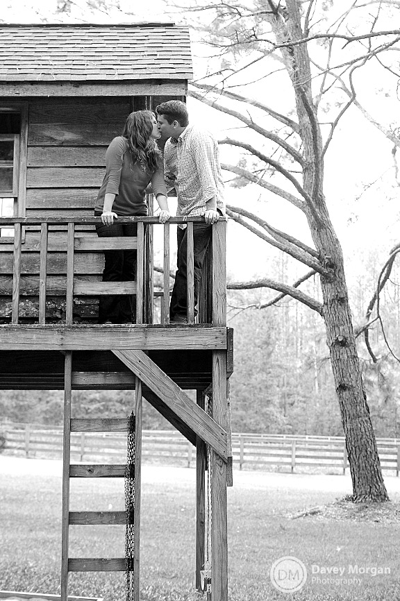 picture of a Couple in a tree house | Davey Morgan Photography
